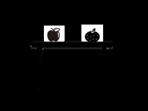 リンゴの右にみかんがある